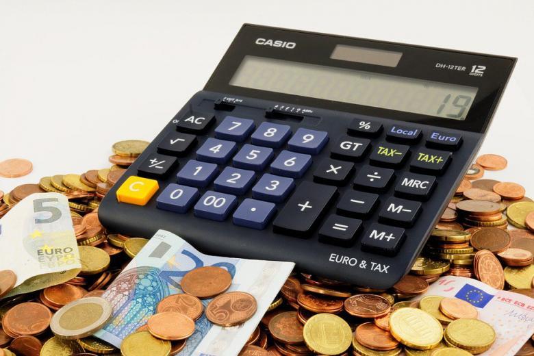 калькулятор и деньги фото