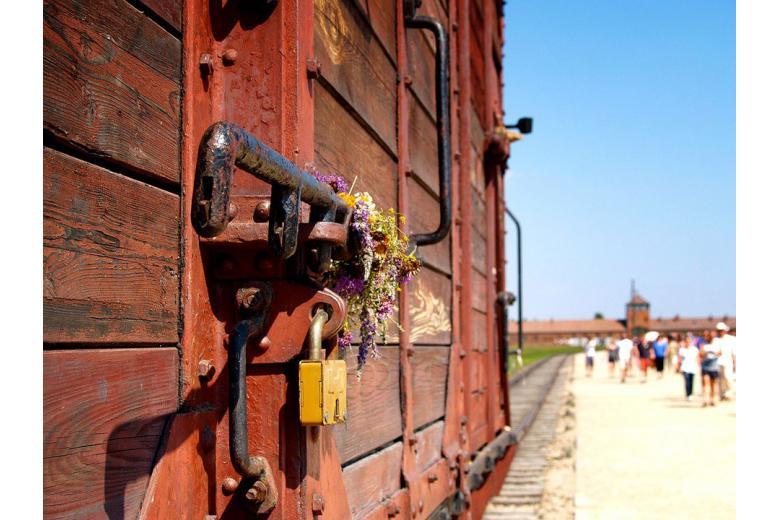 Неизвестные осквернили мемориальный комплекс на месте бывшего концлагеря Ямлиц фото 1