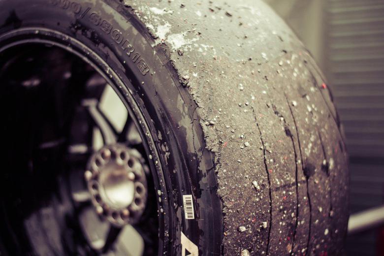 автомобильное колесо фото