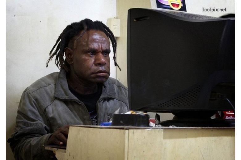 Разведка проверит, как мигранты сидят в интернете фото 1