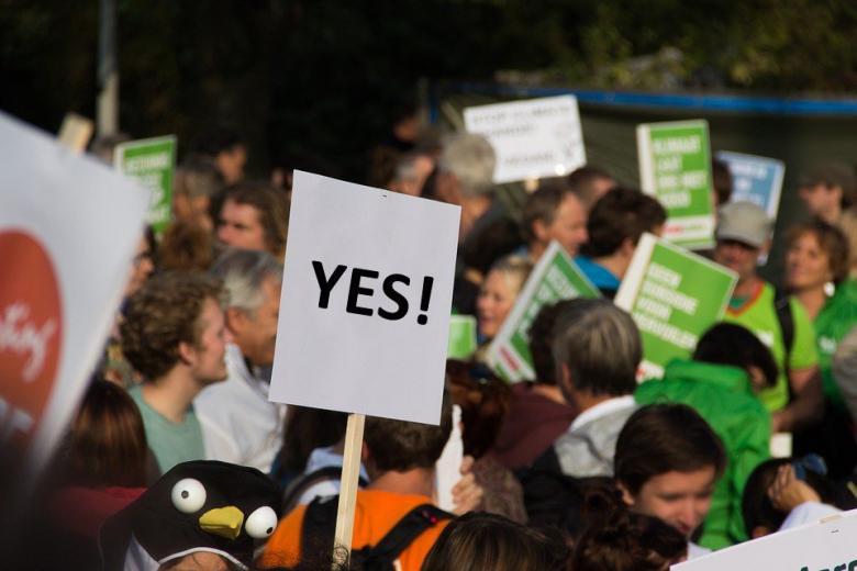 Толерантно: в Висбадене прошла демонстрация за половое воспитание в школах фото 1