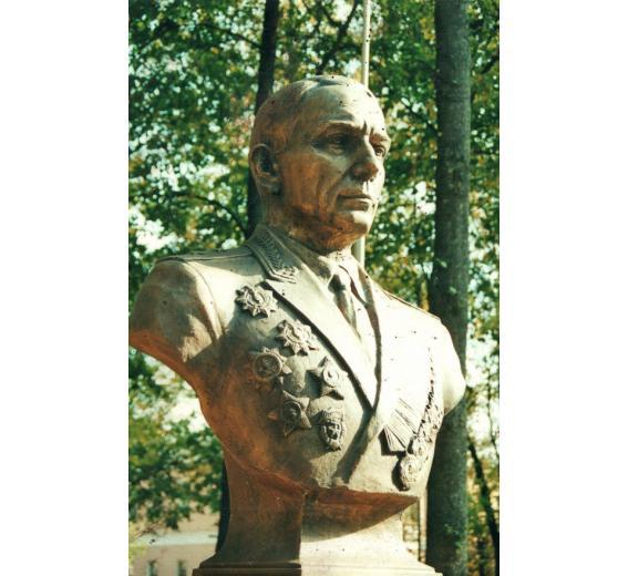 «Герой без звезды героя». К 75-летию депортации советских немцев вспоминается… фото 1
