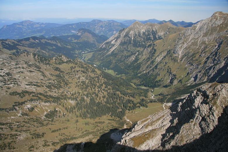 Таможенники покорили Альпы в поисках беженцев-нелегалов фото 1