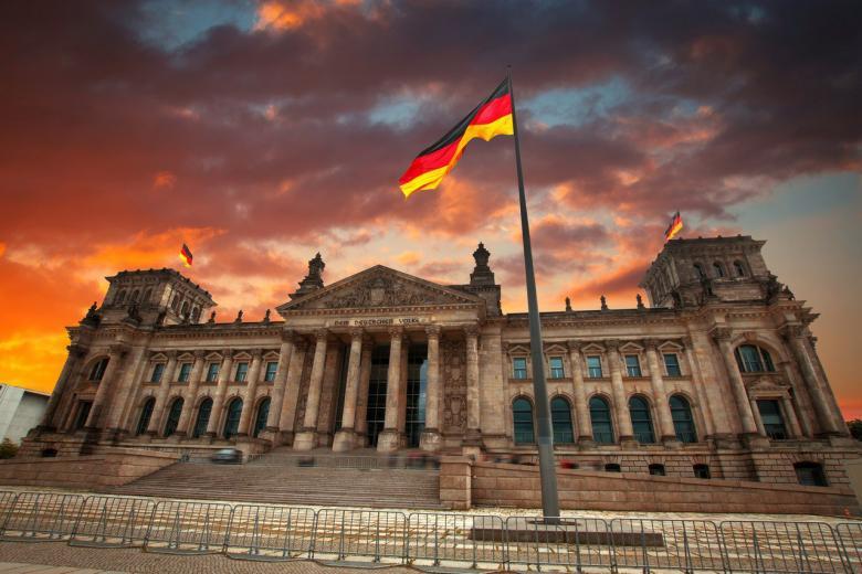 Рейхстаг и три парламента под его крышей фото 1