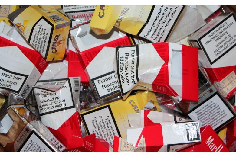 пачки из-под сигарет фото