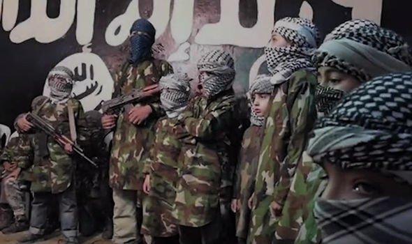Арестованный 16-летний беженец признался, что он член ИГИЛ фото 1