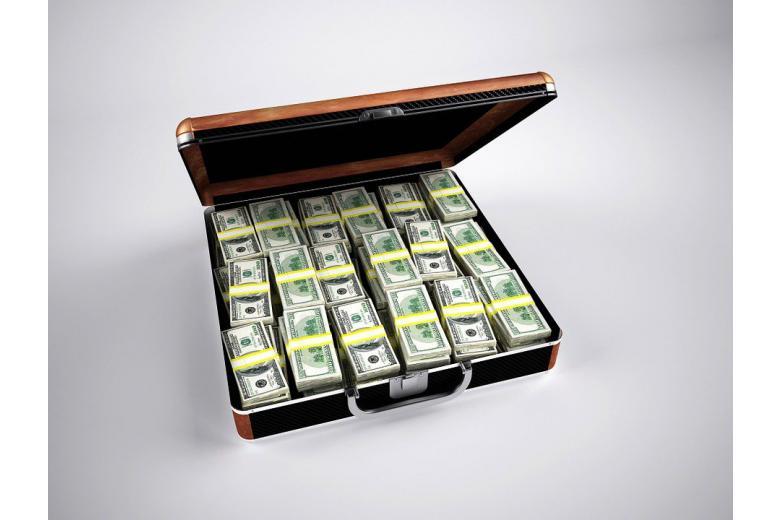 огромную сумму денег сэкономили холдинги благодаря лазейке в налоговой сфере фото