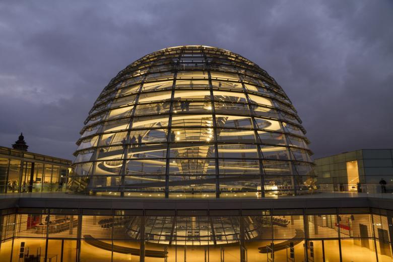 Рейхстаг и три парламента под его крышей